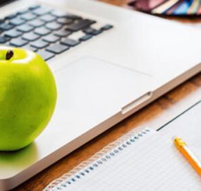 7 sunne snacks du kan spise ved skrivebordet