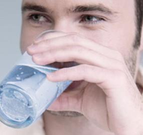 5 tips for å huske å drikke vann i sommer